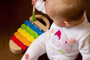 baby music xylophone playing