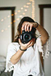 photographer taking family photos
